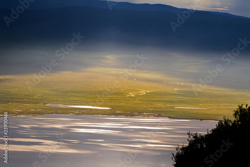 Fotografia  Scenic morning view of seasonal salt lake, Lake Magadi, also called Makat, cente