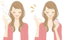 アロマ 香水瓶を持つ笑顔の女性