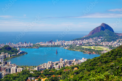 In de dag Centraal-Amerika Landen Rio de Janeiro. Brazil. View of the Lagoon from mount Corcovado. Corcovado mountain offers magnificent views of the city of Rio de Janeiro.