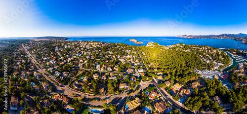 Plakat Widok z lotu ptaka Santa Ponsa i marina Santa Ponsa, Mallorca, Balearic wyspy, Hiszpania