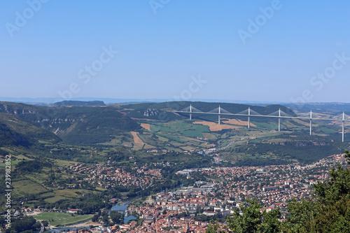 Fotografie, Obraz  Vue sur la ville de Millau