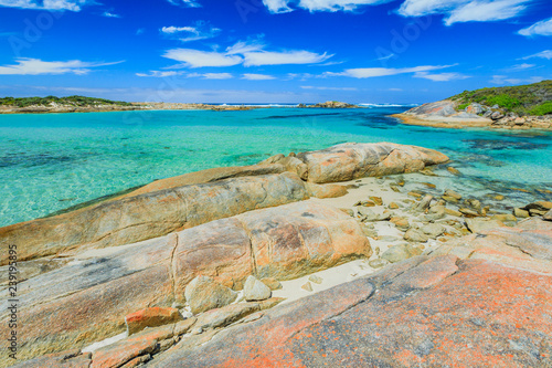 Staande foto Oceanië William Bay NP, Denmark and Albany Region, Western Australia. Sheltered waters of Madfish Bay surrounded by rock formations. Popular travel summer destination in Australia.