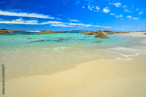 Staande foto Oceanië Scenic landscape of popular Australian travel destination. Greens Pool in William Bay National Park, Denmark, Western Australia. Blue sky, sunny summer day. Copy space. Wallpaper tropical background.
