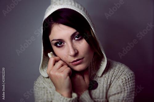 Fotografie, Obraz  Ragazza con il cappuccio