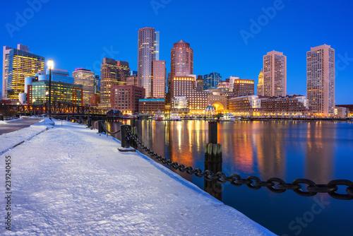 Foto op Canvas Amerikaanse Plekken View on Boston city center at winter night