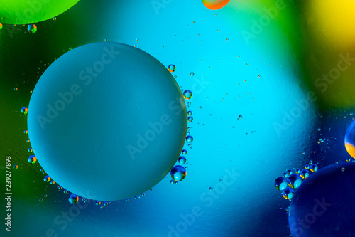 Fotografía  Beautiful color abstract background from mixied water and oil