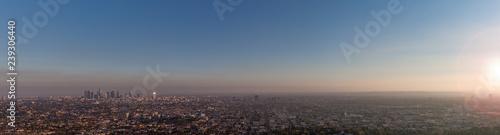 Fotografiet Hazy Los Angeles panorama sunset