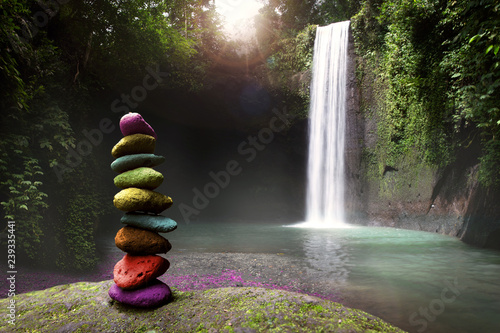 Fotografía Serenity, tranquility and calm stillness in nature, stones stacked near a tropic
