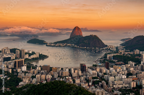 Photo  View of Botafogo and the Sugarloaf Mountain by Sunset in Rio de Janeiro, Brazil