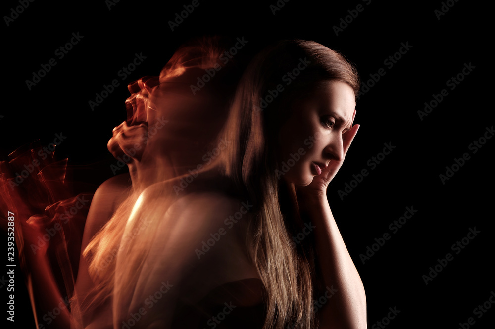 Fototapety, obrazy: Woman screaming in her head of pain