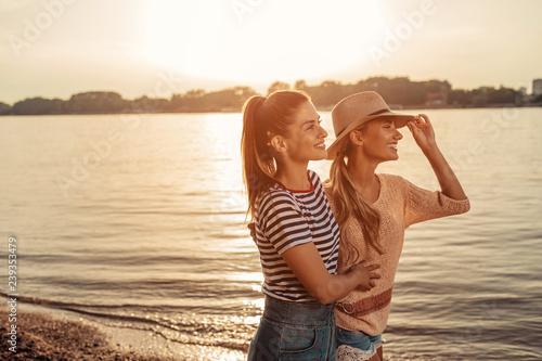 Fotografie, Obraz  Spending quality time with her bestie