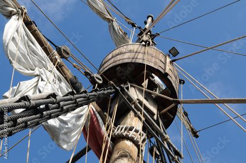 Fototapeta  Großmast eines Segelschiffes