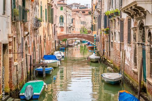 Canal Venice, Italy © matiplanas