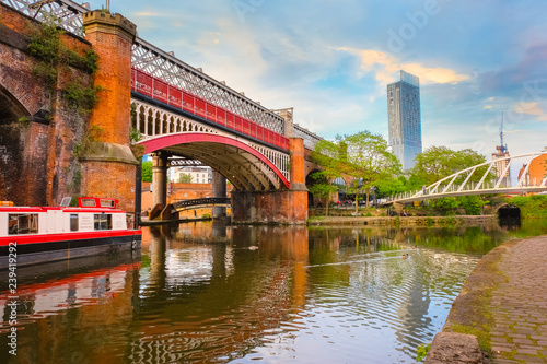Foto  Castlefield, an inner city conservation area in Manchester, UK