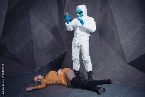 Poster UFO Alien kidnapping girl