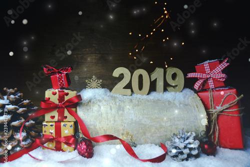 Weihnachten Geschenke 2019.Weihnachten Geschenk Päckchen 2019 Buy This Stock Photo And