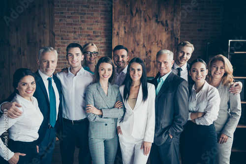 Fotografía  Portrait of nice cheerful elegant classy stylish trendy professional diverse bus