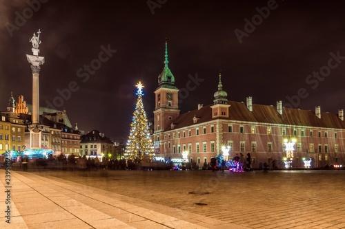 choinka przed Zamkiem Królewskim w Warszawie