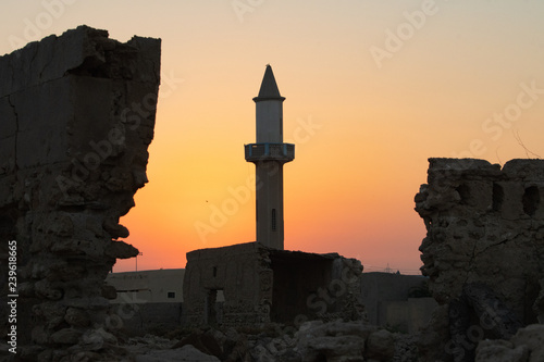 Fotografia Abandoned mosque at sunset
