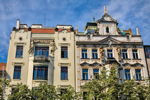 Prag, Sanierte Häuserzeile