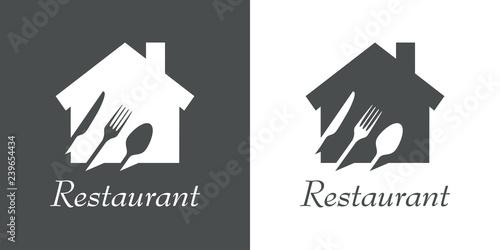 Foto Logotipo texto Restaurant con cubiertos en espacio negativo en vivienda en gris