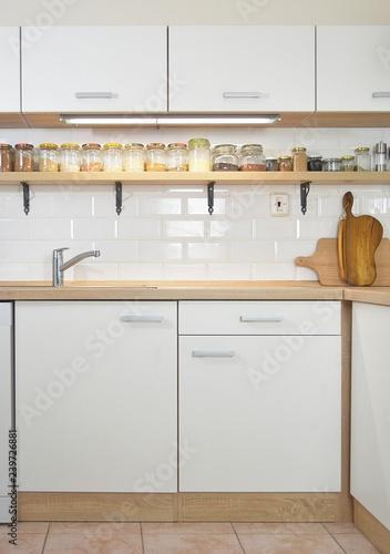 Cadres-photo bureau Cuisine new white kitchen unit