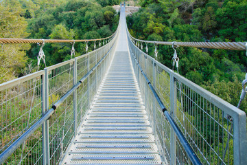 Panel Szklany Industrialny Hanging Foot Bridge
