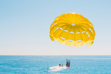Fun Pastime At Sea - Parasaili...