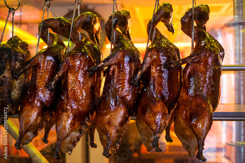 roasted lacquered duck, Hong Kong style
