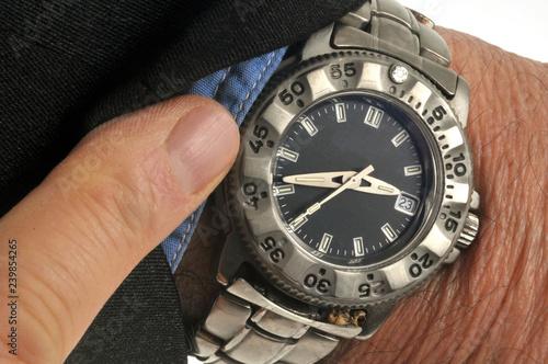 Fotografía  Regarder sa montre
