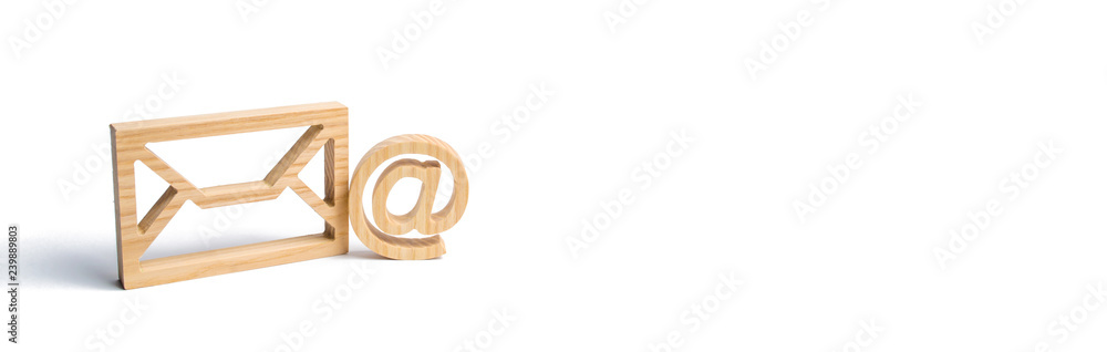 Fotografía Envelope and email symbol on a white background