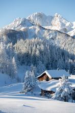 Beautiful Winter Mountain Lan...