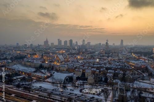 Obraz widok na Warszawa zachód słońca z drona pierwszy śnieg - fototapety do salonu