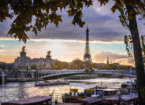 Poster Tour Eiffel Sunset in Paris with the Seine river and the Eiffel Tower