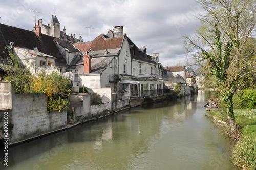 Poster Ville sur l eau A little village in France