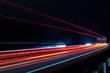 Verkehr auf einer deutschen Autobahn bei Nacht