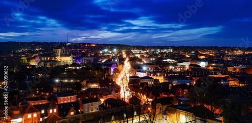 Photo  Winchester twilight cityscape at Christmas time
