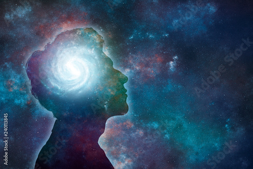 Obraz Side view of young man brain and thinking concepts - fototapety do salonu