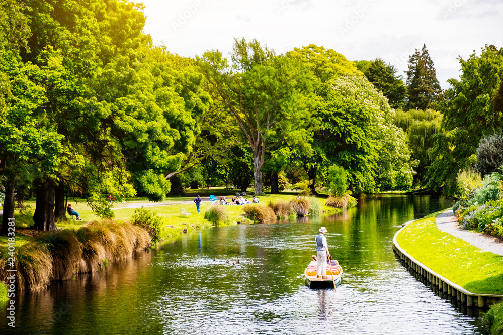 Fototapety, obrazy: View of the river in Christchurch Botanic garden.