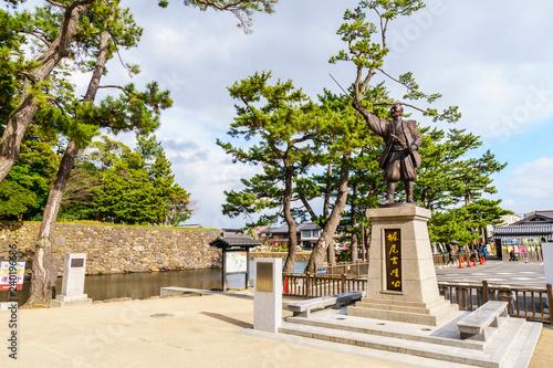 Tuinposter Historisch mon. 堀尾吉晴公の銅像