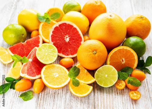 Fotografiet Fresh citrus fruits