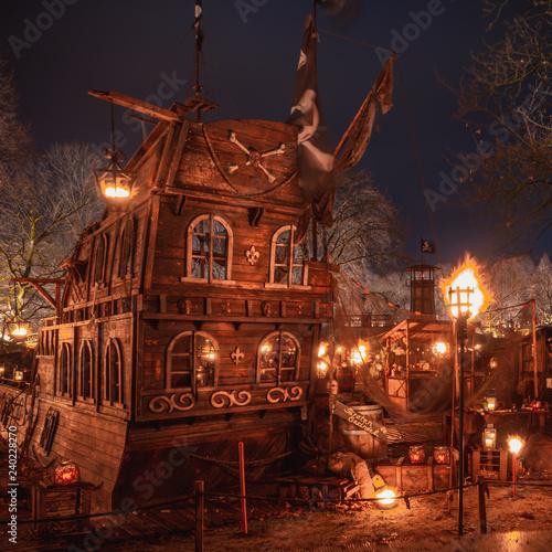 Mittelalter Weihnachtsmarkt Dortmund.Dortmund Mittelalter Weihnachten Buy This Stock Photo And Explore