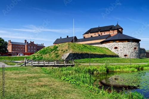 Fotografie, Obraz Burg Häme am Vanajavesi See in Hämeenlinna, Finnland