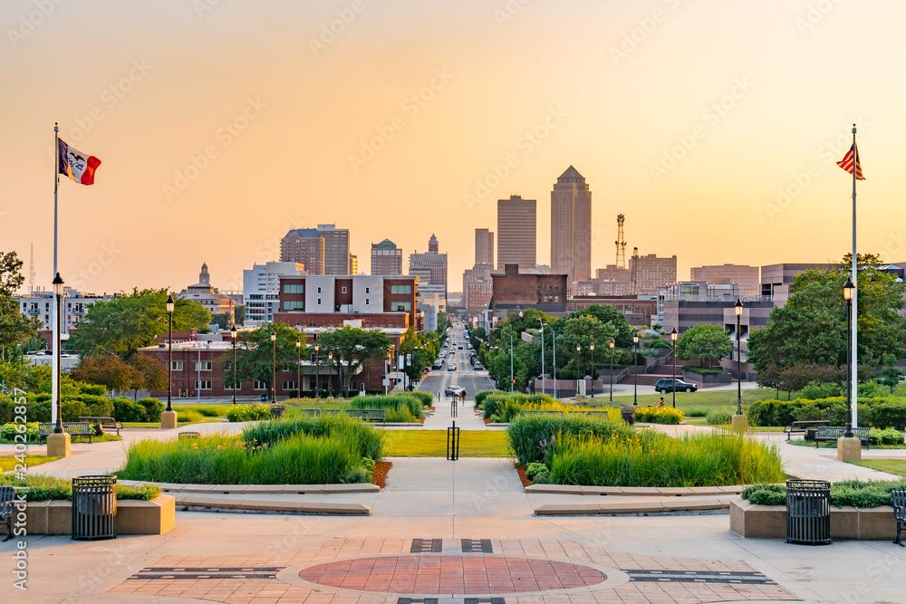 Fototapety, obrazy: Des Moines, Iowa City Skyline at SUnset