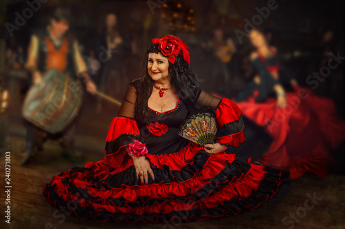 Fotografia, Obraz  Mature woman is gypsy dancer