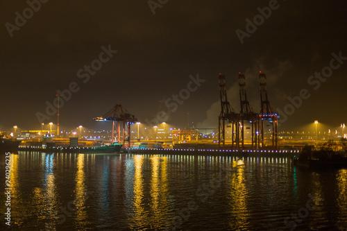Fotografie, Obraz  Hamburgerhafen bei Nacht