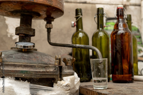Alcohol production in home conditions Canvas-taulu