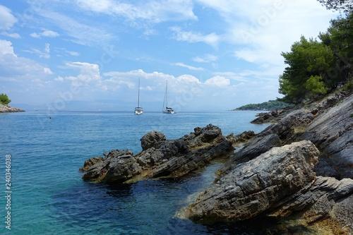 Fotografia Sailboots at the coast of Solta Croatie