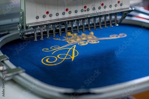 Fotografie, Obraz industrial embroidery