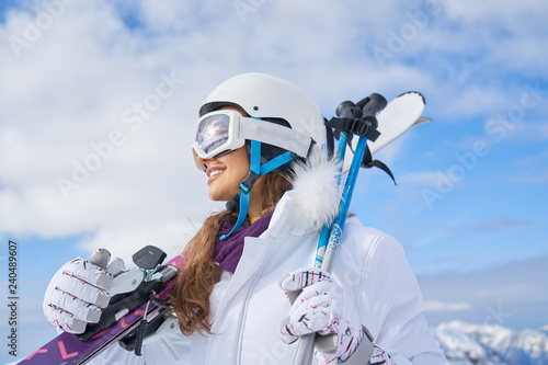 Portrait of woman in ski outfit Canvas-taulu